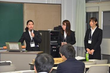 堀江ゼミの学生が学会発表を行いました