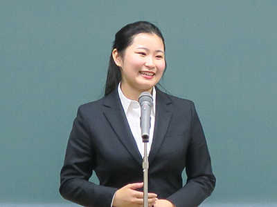 草野汐里さんが「青嵐杯 大学生英語弁論大会」全国本選に出場します